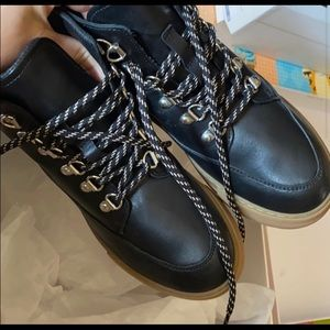 Other stories Lace Up Leather Snow Boots